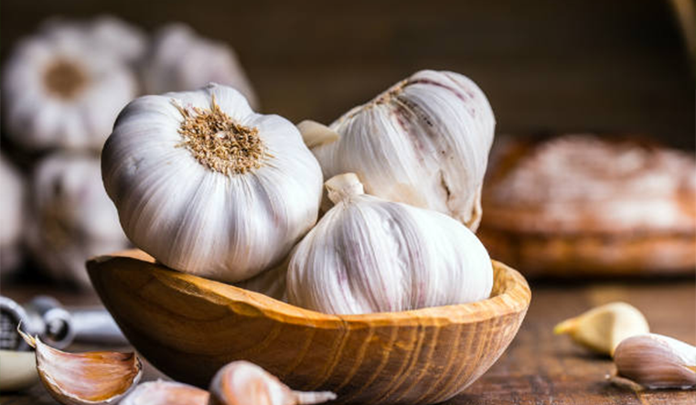 The benefit of using garlic for hair growth